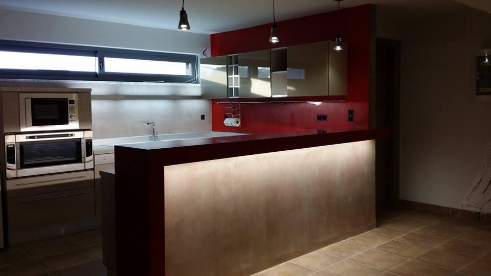 Ανακαίνιση κουζίνας με βακελίτη και πατητή τσιμετοκονία-Ανακαίνιση κουζίνας στη Σαρωνίδα