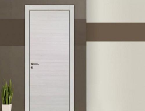 Εσωτερική πόρτα γκρι χρώματος