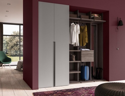 Συνδυασμός ντουλάπας με ανοιχτούς χώρους αποθήκευσης