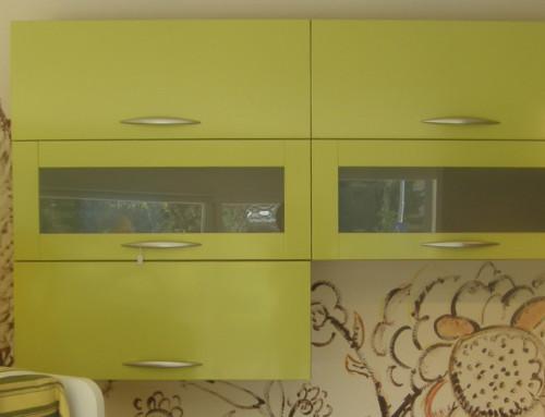 Προσφορά πράσινα κρεμαστά ντουλάπια