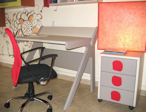 Προσφορά παιδικό γραφείο και καρέκλα